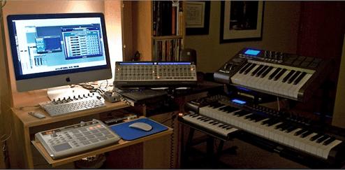 1.カッコいい音楽作れそうなMacデスク