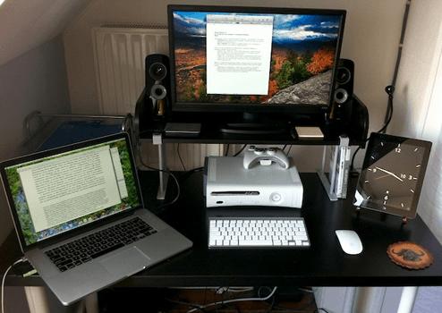 13.何気にXBox 360が気になるMacデスク
