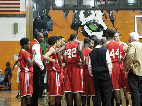 バスケが上手くなるにはレベルの高いチームと試合も一つの手です