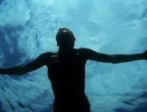 オフシーズンこそトレーニング!体力つけるために水泳を始めました。
