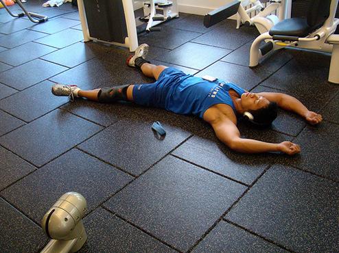 ジムでトレーニング(筋トレ)したあとに身体の疲れを回復する4つの方法