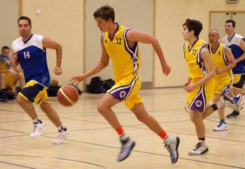 バスケの試合で勝つためにチーム全体の走力を上げる